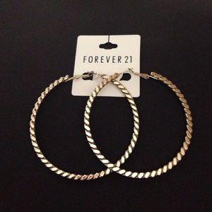 Forever 21 gold hoop earrings on poshmark for Forever 21 jewelry earrings