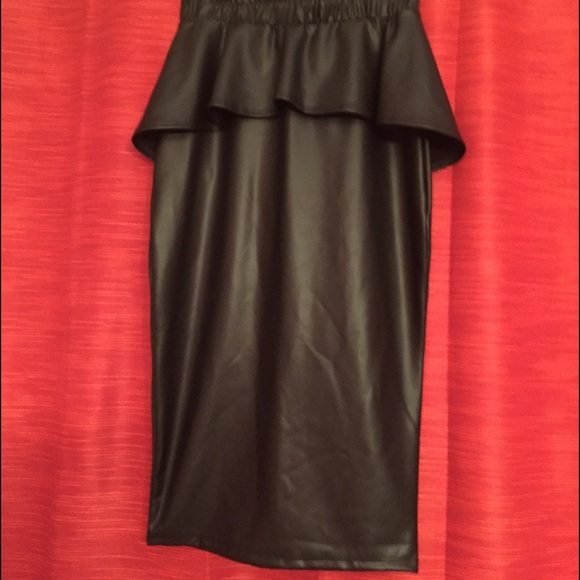 best nwt black peplum skirt faux