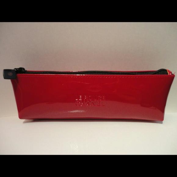346f63cbc5d15f CHANEL Accessories   Authentic Le Rouge Cosmetic Bag   Poshmark
