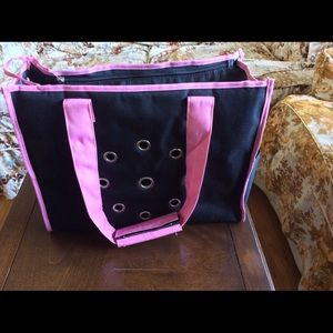 Where Can I Buy A Cat Carrier In Victoria