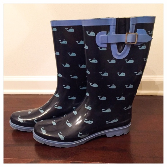 78 off merona shoes preppy navy blue whale print rain boots from hilary 39 s closet on poshmark. Black Bedroom Furniture Sets. Home Design Ideas
