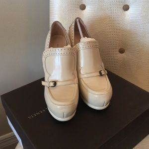 Bottega Veneta pumps $980 retail 