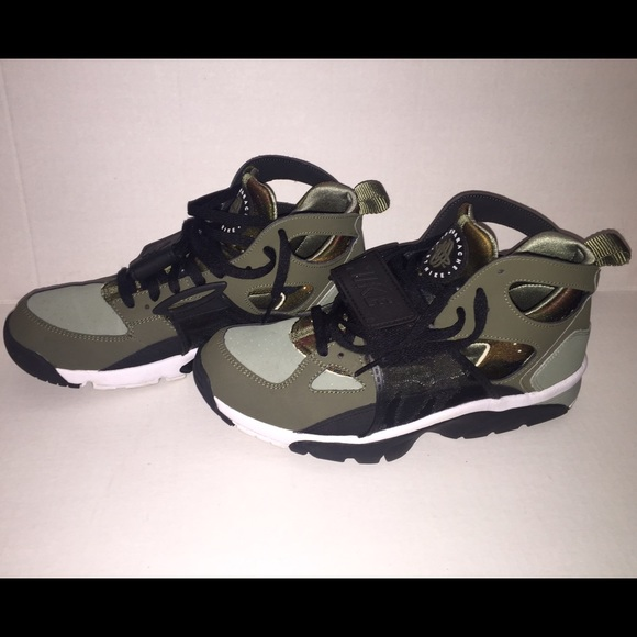 Nike Other - Nike Huaraches Olive Camo Men 9.5 551be833c