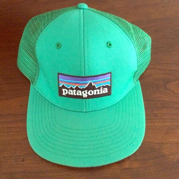 Green Patagonia Hat. M 55fae9da7eb29fa21a004eb7 3c1a35ffc9f