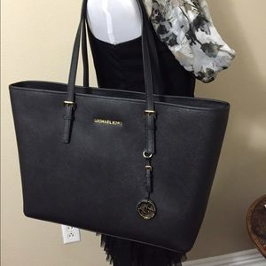 NWT Michael Kors Travel Jet Set Black/Gold