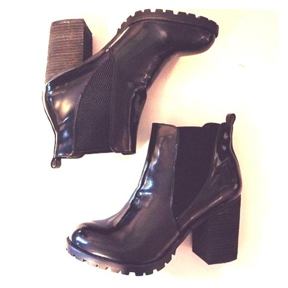 b12d20e1786 Steve Madden Lyonn chunky heel booties black boots.  M 55fafb77d3a2a7782c0055e7