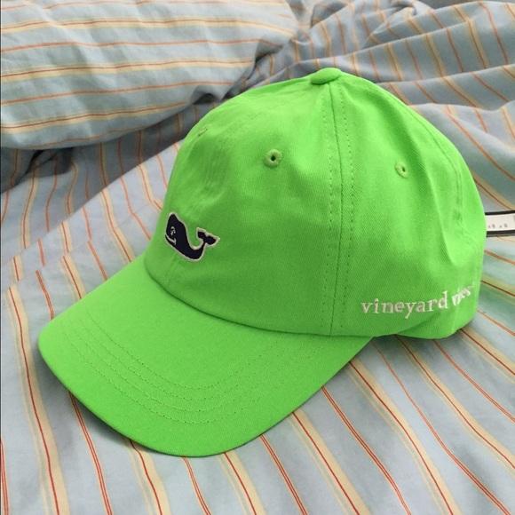 a2ee4cb8d733f NWT Vineyard Vines bright green hat