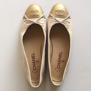 CHANEL Shoes - Chanel classic ballet flats