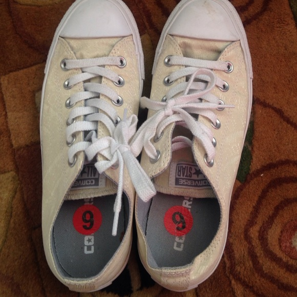 c46b5573582d Converse Shoes - Like New! Rare Ivory lace Converse AllStars