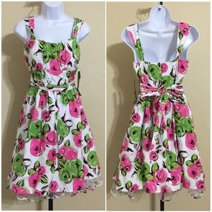 Snap Dresses & Skirts - 🎉HP🎉 Snap Floral Dress Size 11