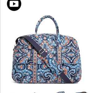 bradley beach black single women Shop from the world's largest selection and best deals for vera bradley women making it a perfect pick for the pool or beach 100%authentic vera bradley black.