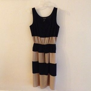 Black/beige sleeveless dress