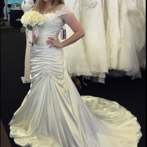NWT Maggie Sottero Fit Flare Wedding Dress Bridal