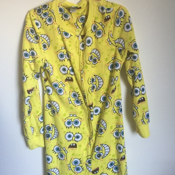 b45a5c30c084 Spongebob pajamas adult size. M 55fc4be76e3ec2af6000c6e2