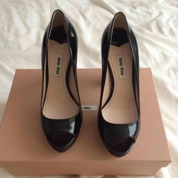 767a71fe989 Miu Miu black patent peep-toe pumps