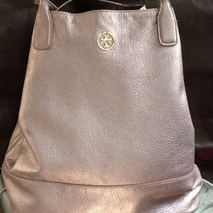 9f9614688ac Tory Burch Bags - Tory Burch large Michelle tote bag