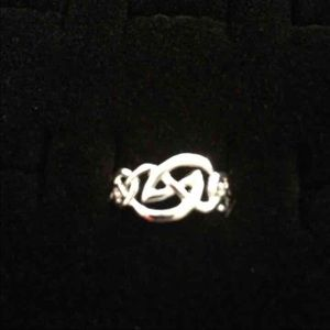 Jewelry - Sterling Silver Ring Sz.8