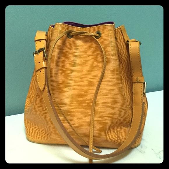 f6eb4a60a802 Louis Vuitton Handbags - Louis Vuitton Vintage Noe bucket bag