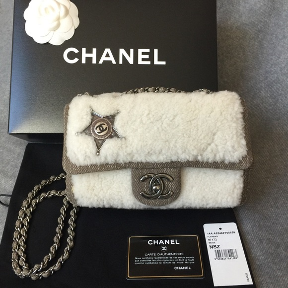 🎉🎉SOLD🎉🎉🎉Chanel shearling flap bag 267a81321ff87
