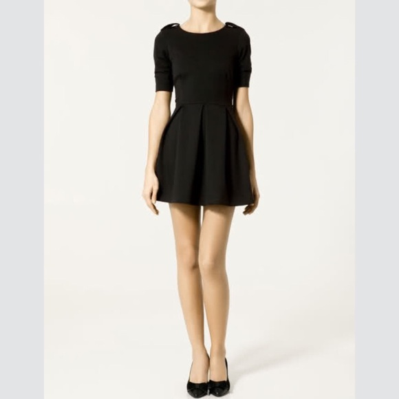 e4170ad02ec Zara fit and flare black skater dress. M 55fca80fc7dcbf6a6c00eb0f