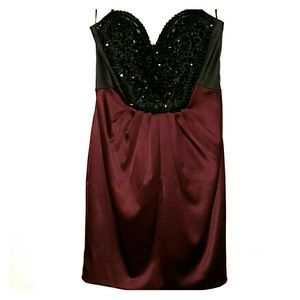 Cache Maroon and Black Cocktail dress