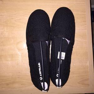 Shoes - Dream Slip-On Crotchet Black Shoes/Flats