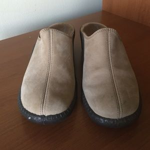 Romika leather clogs
