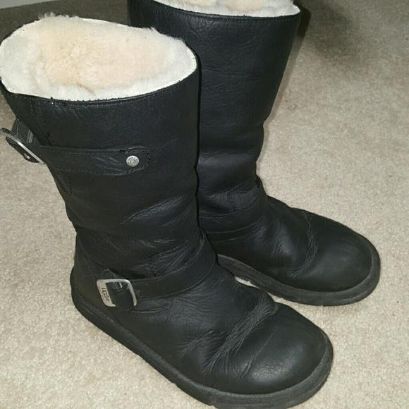 76e3b587203 Ugg Kensington boots size 8!