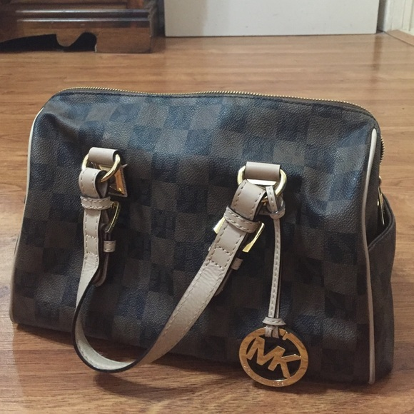 994f4368dc32 👜(AUTH) MICHAEL KORS BROWN CHECKERED PRINT PURSE