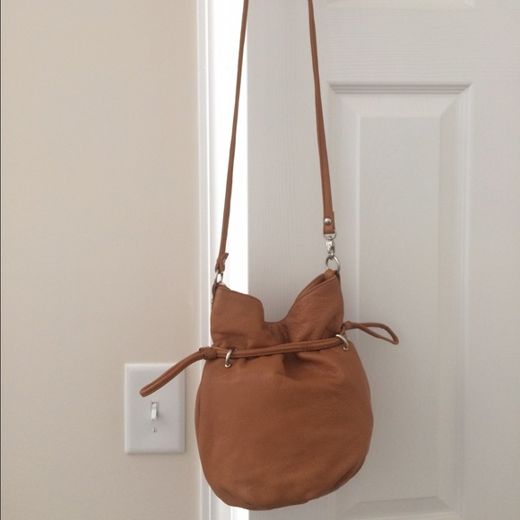 HOBO Handbags - Hobo international Small Bucket bag Crossbody 98d95714d2d31
