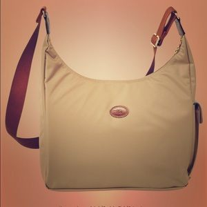 Worn once. New hobo pliage in beige