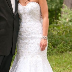 Allure Couture C200 wedding dress for sale