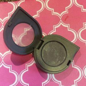 Makeup - Almay single eyeshadow in Smoke and Honeydew