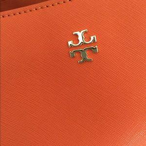 a981bbd7d6d9 Tory Burch Bags - Tory Burch York Buckle Tote in Mandarin Orange