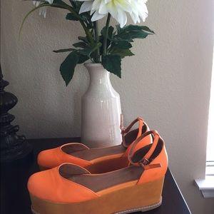 Flat form sandals