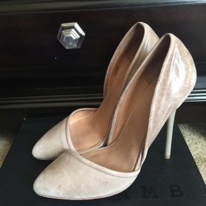 L.A.M.B. Shoes - Lamb NUDE Meredith distressed leather pump