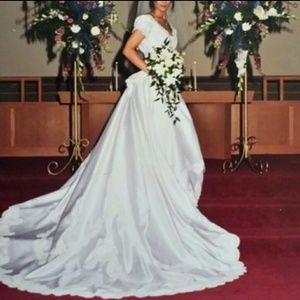 Jasmine Bridal Kim James Couture Wedding Gown Sz 6