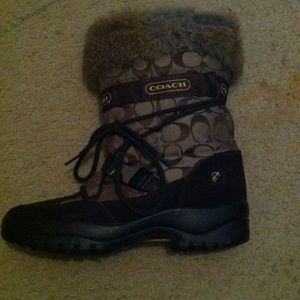 Coach Boots - Sahara coach brown boots wh fur and tie strings