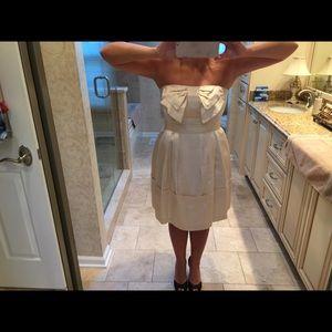Anthropologie Beautiful ivory/cream dress size 8
