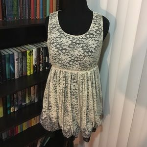 Dresses & Skirts - Lacy cream-colored dress