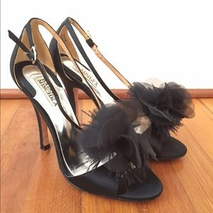 Badgley Mischka black satin heels