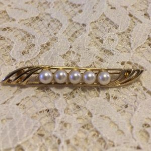 Vintage bar pin with pearls