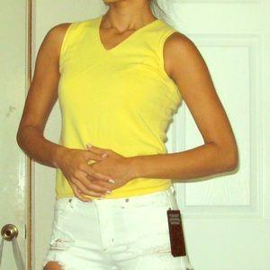 Petite Sophisticate yellow vneck sleeveless top XS