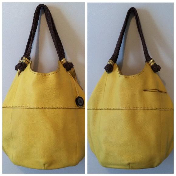 dddcddc646 The Sak Mustard Yellow Shoulder Bag. M 55ff05f14e8d17be2b002358