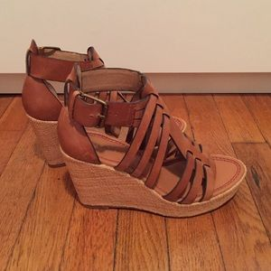 Shoes - Cognac wedges