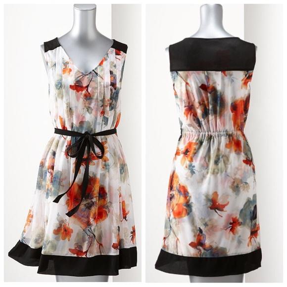 b984ebf01e4 NWOT Simply Vera Floral Mesh Shift Dress. M 563fb087afcd0e539b01b698