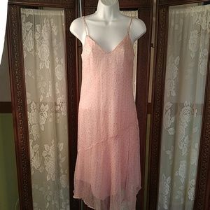 Pink sheet dress gold thread