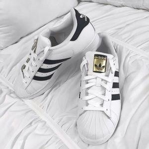 Adidas Superstar 2 Des Femmes De Taille 5.5 RahQygzr2