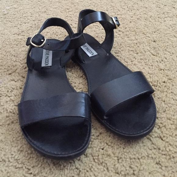 0a02b612717 Steve Madden black leather DONDDI Sandals
