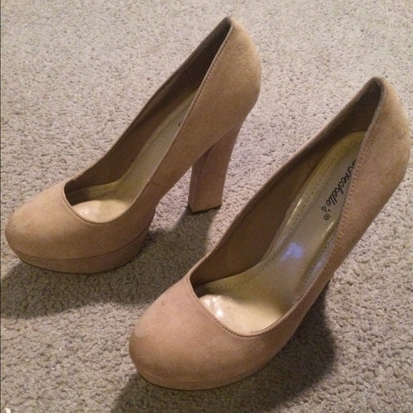 57% off Breckelles Shoes - Brand new suede nude chunky heel size ...